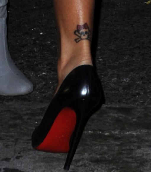 rihanna-louboutin-and-tattoo